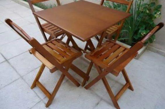 Aluguel de Mesas e Cadeiras de Madeira